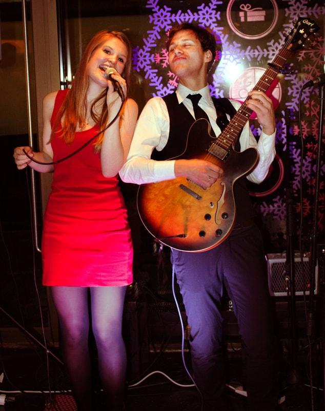 Chris & Roos duo